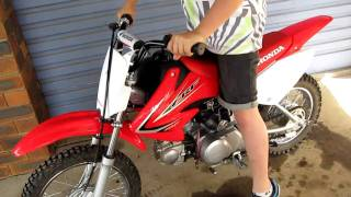 1. HONDA CRF70F 2011 START UP