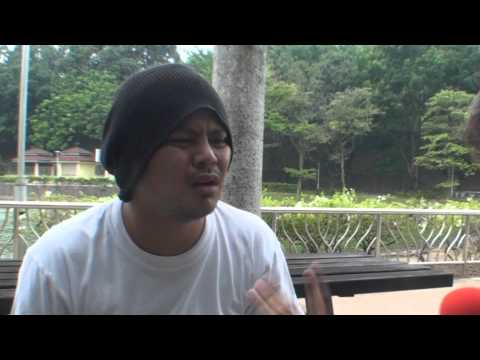 Namewee kena hentam during interview