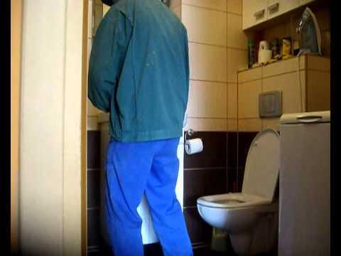 Robol przyłapany w łazience