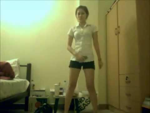 นักศึกษาสาว - เต้นโชกระจ่ายเเบขันหู้เเพ้เลย.