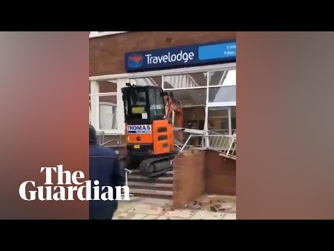 Man Uses Digger To Destroy Reception Of Liverpool Travelodge