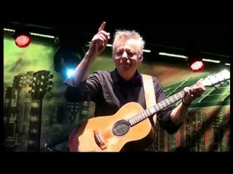 Tommy Emmanuel - Secret love (to Raf Montrasio) Soave Guitar Festival 2012