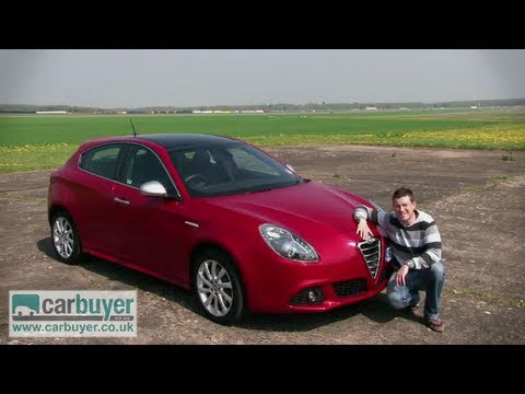 Alfa Romeo Giulietta hatchback review – CarBuyer