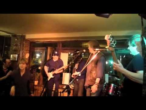 CHICAGO LINE BLUES BAND - Brasserie Biron - Before you accuse me - Guest Mar Todani