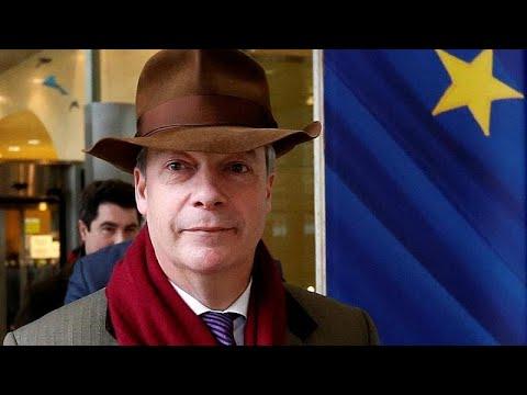 Επιμένει σε σκληρό Brexit ο Νάιτζελ Φάρατζ