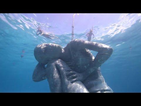 Eerste beelden geplaatst Europees onderwatermuseum Lanzarote
