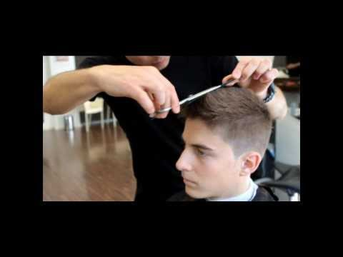 Mora peluqueros – Corte joven hombre