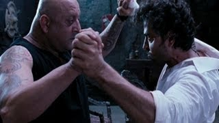Nonton Sanjay Dutt and Hrithik Roshan show their power over each other - Agneepath Film Subtitle Indonesia Streaming Movie Download