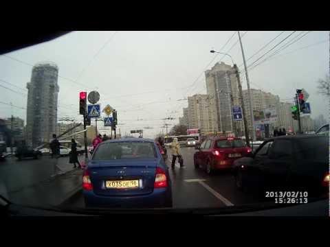 ДТП на перекрестке Ленинского пр. и Маршала Жукова