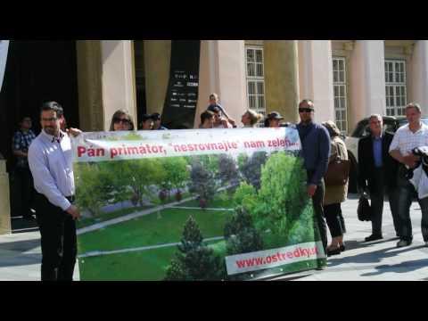 Ružinov - protest na Primaciálnom námestí