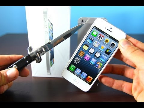 iphone 5 oficial video - Get a glimpse at Apple's latest offering in this New Official iPhone 5 Unboxing Video! VS the 4S & Galaxy S3 this phone competes on a separate level and that...