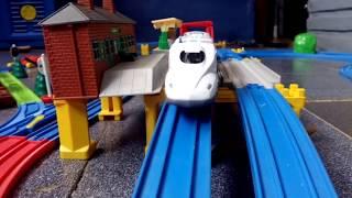 Mainan kereta api untuk anak anak