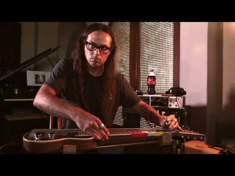 Daniel Lanois - In The Studio