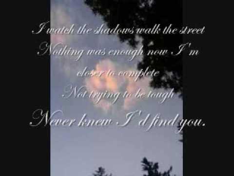 Tekst piosenki Emmy Rossum - Don't Break My Heart po polsku