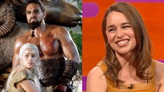 Video Emilia Clarke on Khal Drogo's BIG FLUFFY sense of humor - The Graham Norton Show MP3, 3GP, MP4, WEBM, AVI, FLV Mei 2018