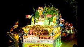 TRỰC TIẾP | Lung linh lễ diễu hành xe hoa Phật đản