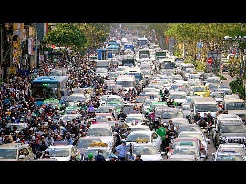 Người dân Thủ đô nói gì khi 2 tuyến đường huyết mạch Nguyễn Trãi - Lê Văn Lương bị cấm xe máy - Thời lượng: 11 phút.