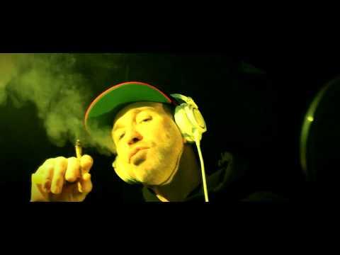 Videoclip de SFDK - Amor ilegal