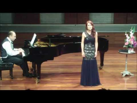 Plaisir d'amour - soprano Amy Fortnum (видео)
