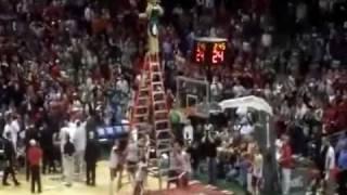 NBA MASCOT BANGO INSANE DUNK ! !