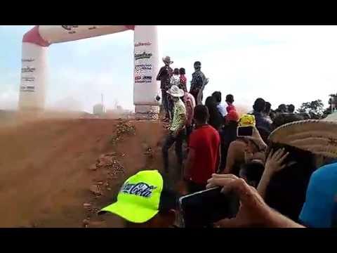 Corrida de motocross em vila rica mt na festa do municipio