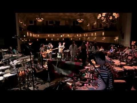Snarky Puppy feat. Magda Giannikou - Amour T'es Là (Family Dinner - Volume One)