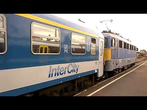 Vonatok Budapest Nyugati Pályaudvaron-Trains in Budapest Nyugati Pályaudvar