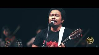 Video PAYUNG TEDUH X YAMAHA LIVE AND LOUD - Angin Pujaan Hujan MP3, 3GP, MP4, WEBM, AVI, FLV November 2017