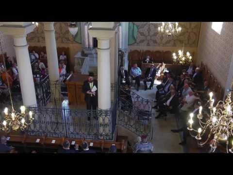 Átadták a felújított rabbiházat Mádon
