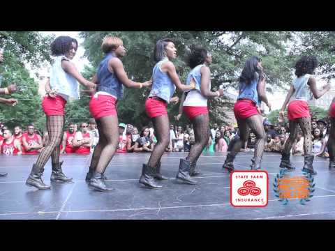 Stroll - Delta Sigma Theta 2012 Stroll Off Video sponsored http://www.Statefarm.com & http://twitter.com/tiwaworks Add us on http://facebook.com/atlantagreekpicnic Vi...