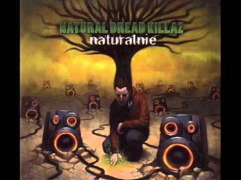 Tekst piosenki Natural Dread Killaz - Muzykalna dzielnica po polsku