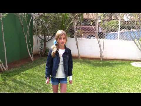 Niña de 9 años con talento cantando Kiss You | Picassus9