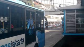 Video 【バスPV 】Ayo Naik Bus Trans Jakarta 『BRT』 MP3, 3GP, MP4, WEBM, AVI, FLV Mei 2019