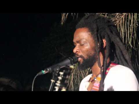 Beautiful Nubia - Tables Turn (Live)