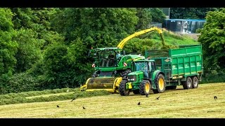 Lloyd Forbes cutting silage with his brand new John Deere 8600i, drawing was 6170m with a smyth, a 6920s, 6150m and 6830 with thorpes... On the rake was a tm155.Filmed near Cork Airport on the 17/07/2016.Thanks to all involved Facebook page: https://www.facebook.com/agrivideoscork