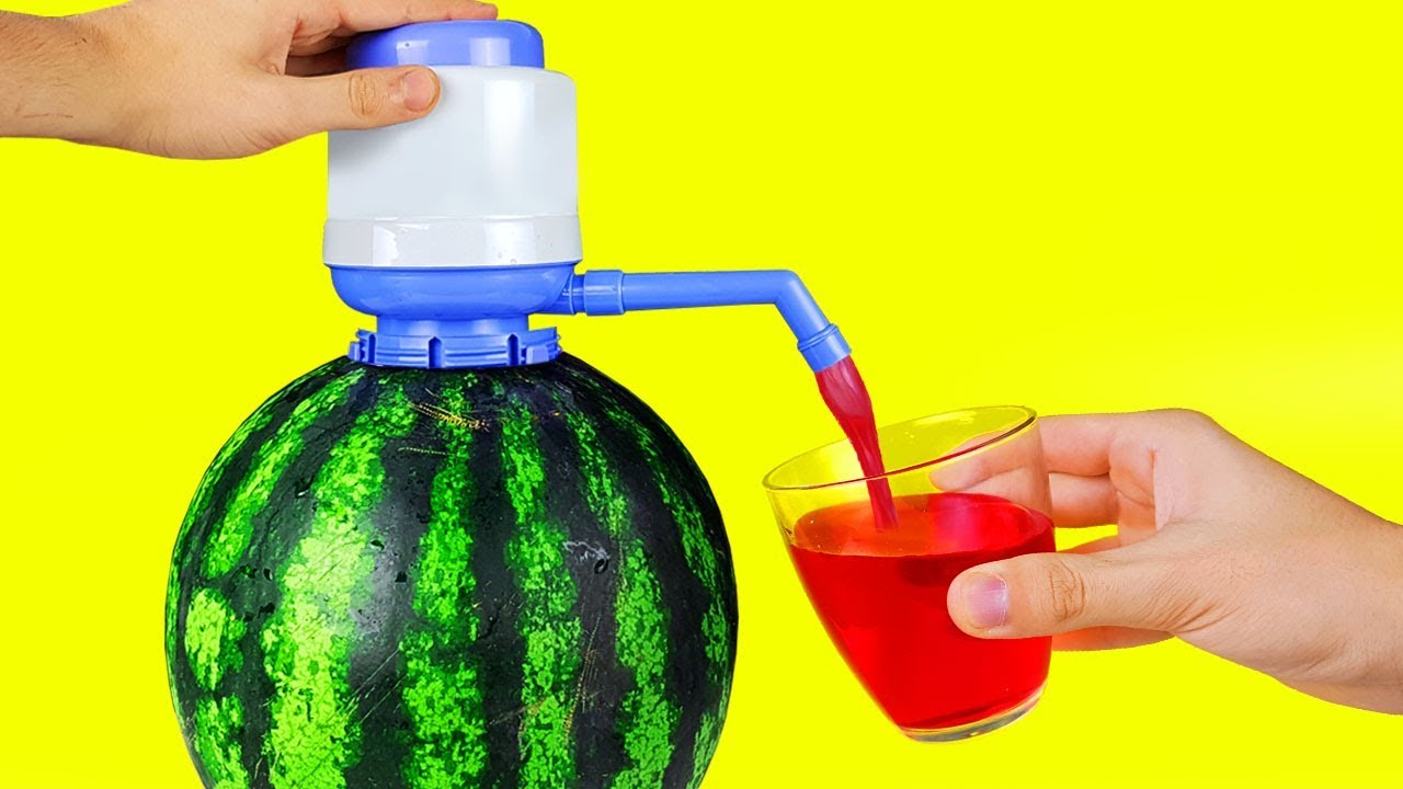 17 SIMPLE LIFE HACKS WITH WATERMELON - YouTube