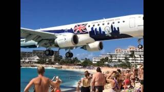 Ekstremalnie niski przelot nad niesławną plażą Maho na wyspie St Maarten