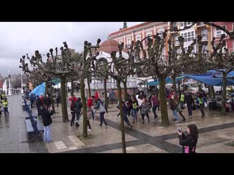 Flashmob - Ibilaldia 2013 (Asti-Leku Ikastola)