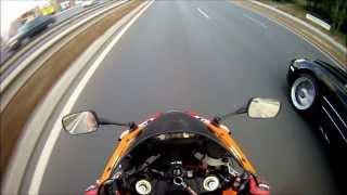 McLaren SLR vs. CBR 1000RR Repsol