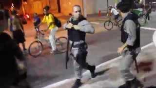 Неадекватный бразильский полицейский