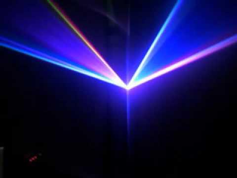Laser độc lạ 32 màu lần đầu tại Việt Nam