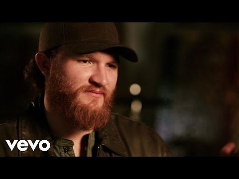 Eric Paslay – She Don't Love You (Acoustic Performance And Interview)