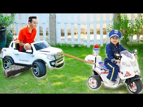 Suri Kid Cop LOCKED UP Auntie in Pretend Jail Toy