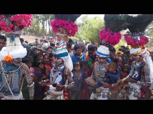 Adiwasi bhagoriya festival dance jhabua for Koi umeed bar nahi aati mp3