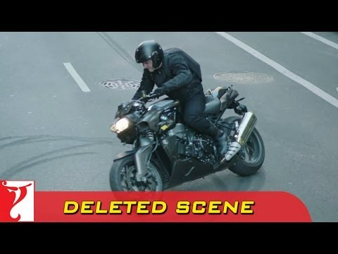 Video Deleted Scene:1 | DHOOM:3 | Heist 1 Bike Stunt | Aamir Khan download in MP3, 3GP, MP4, WEBM, AVI, FLV January 2017