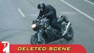 Nonton Deleted Scene 1   Dhoom 3   Heist 1 Bike Stunt   Aamir Khan Film Subtitle Indonesia Streaming Movie Download