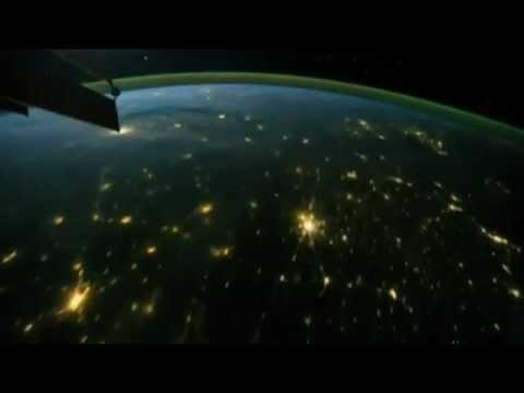 มนุษย์อวกาศนอกโลก ! จับภาพวิดีโอฟ้าผ่าจากอวกาศ 'เหมือนประกายประจุไฟฟ้าเคลื่อนที่'