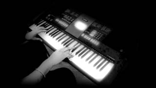 image of teri galliyan-Ek Villain-on keyboard/piano