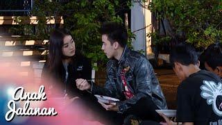 Video Romantisnya Boy & Reva Makan Nasi Goreng Dipinggir Jalan [Anak Jalanan] [1 Feb 2016] MP3, 3GP, MP4, WEBM, AVI, FLV September 2018