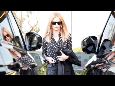Rosie Huntington-Whiteley Sports Skintight Jeans At The Office